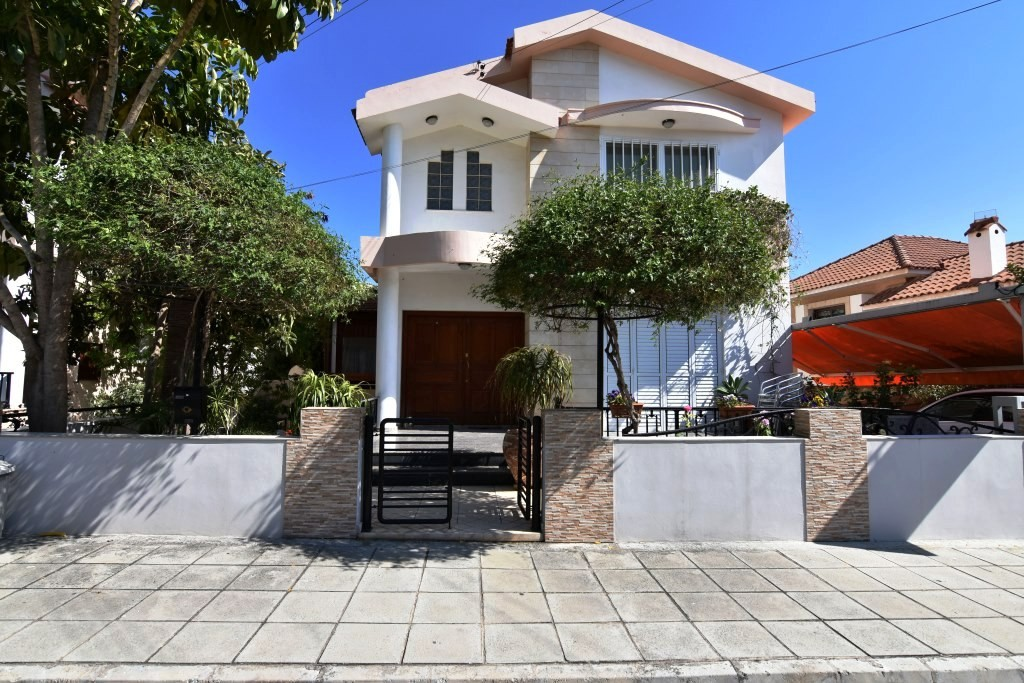 6-bedrooms house in Agios Athanasios