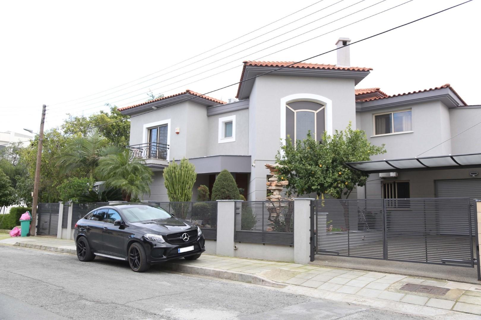 Six Bedroom Villa