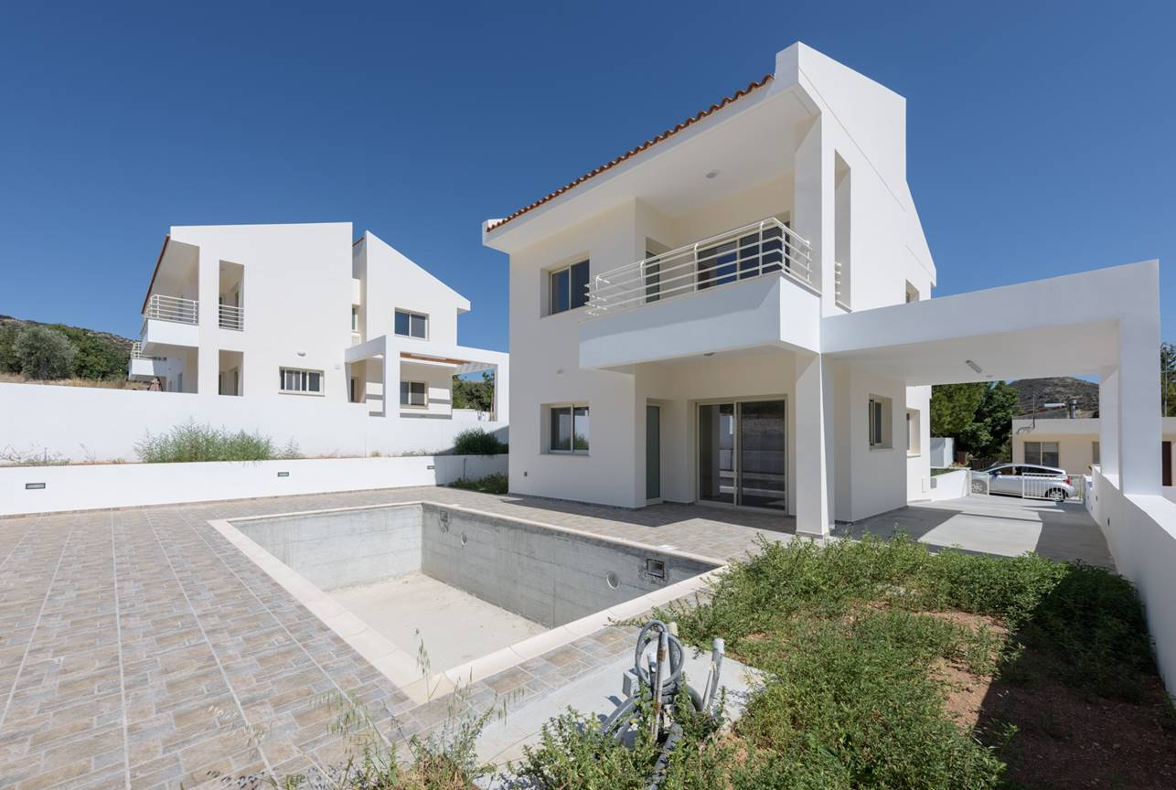 3Bed house in Palodia