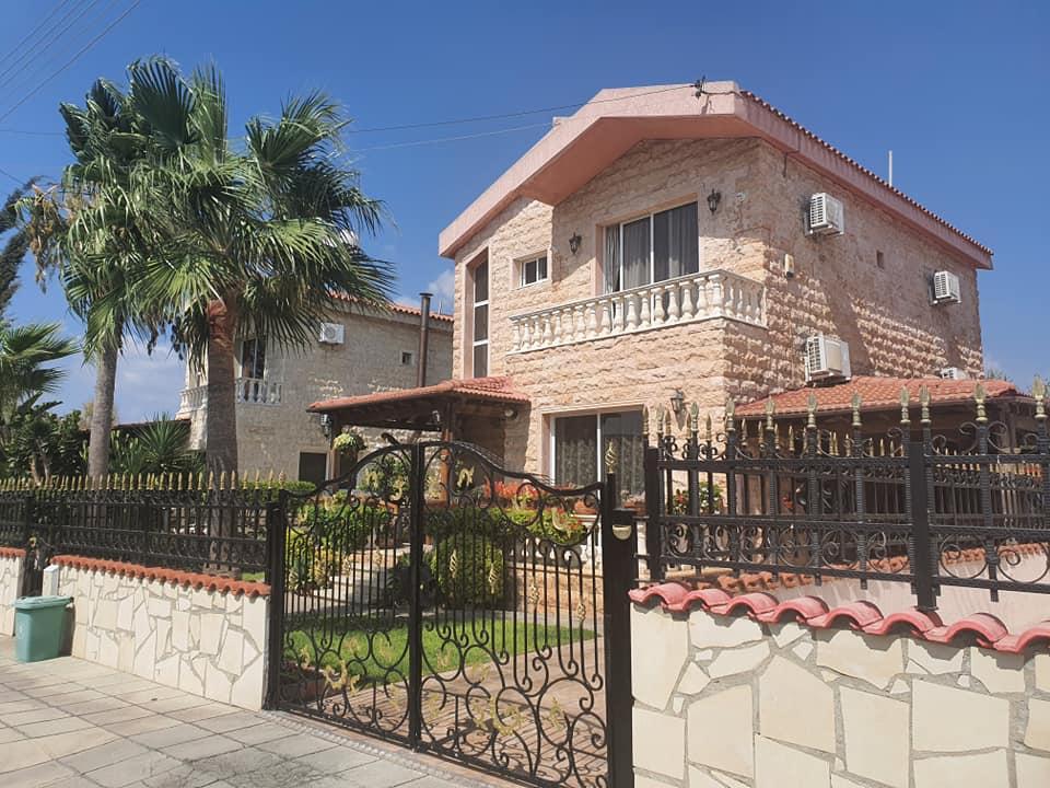 Three bedroom house in Pyrgos