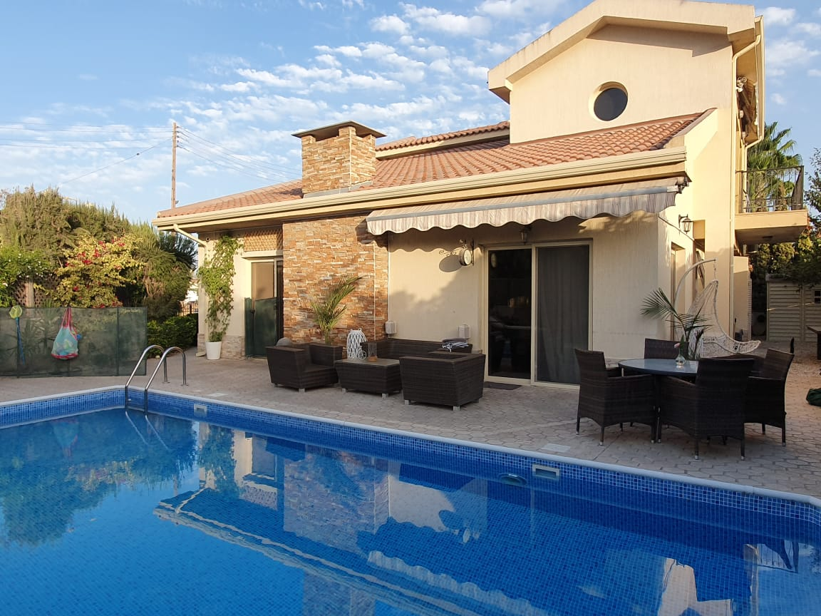 Four bedroom villa in Pareklishia