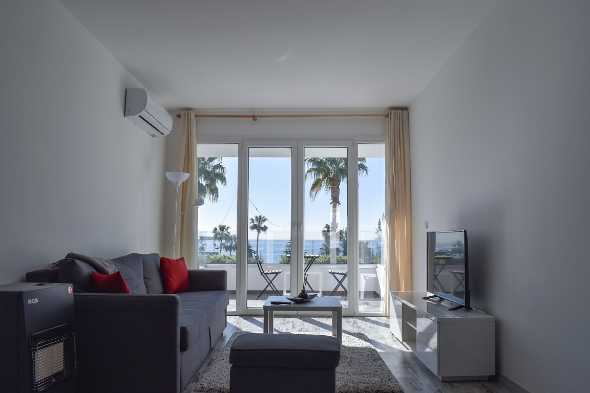 FOUR APTS FOR SALE MOLOS AREA – Right in front of the sea